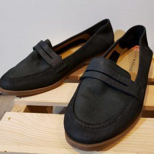 "Lucky brand ""Caylon"" leather/suede flats"